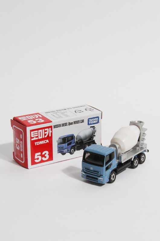 TOMICA  Quon Mixer Car No.53
